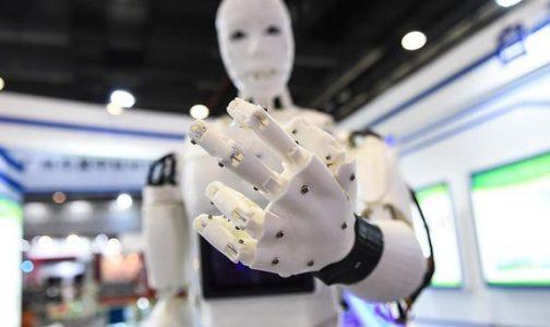 İnsansı robotlar yaşlı bakım hizmeti yapacak